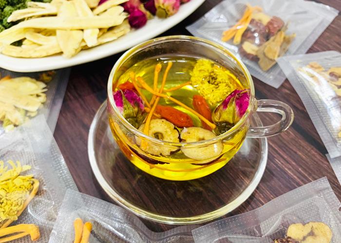 Cách sử dụng đông trùng hạ thảo tươi pha trà