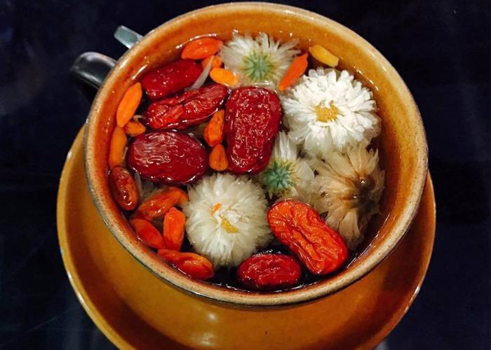 Trà táo đỏ hoa cúc kỳ tử tốt cho sức khỏe